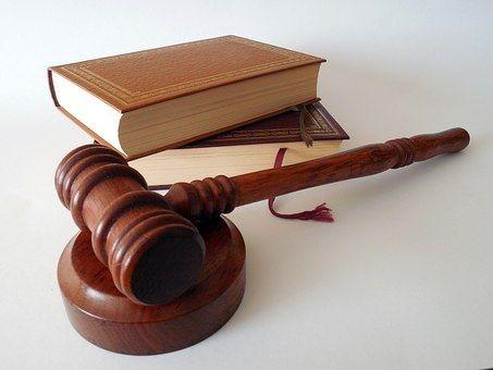 Gerichtsentscheide-719066__340.jpg